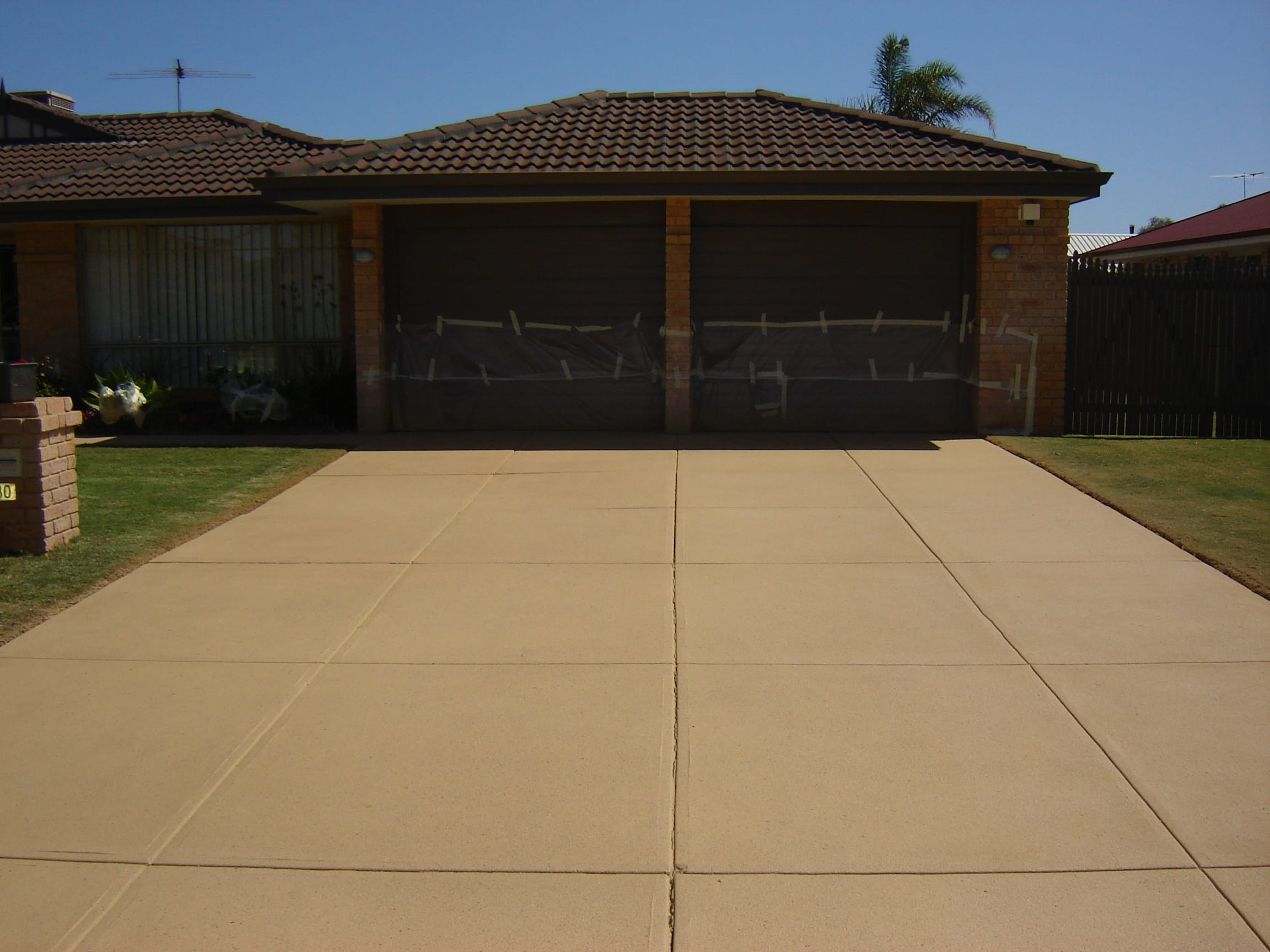 Driveway after complete resurfacing solutions for Best solution to clean concrete driveway